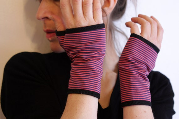 Short mittens with thin stripes Pink-Purple Jersey cotton. Mitten Yoga Jersey