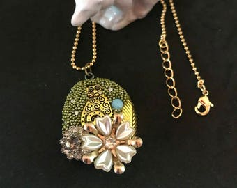 Bloomin' Cat Necklace