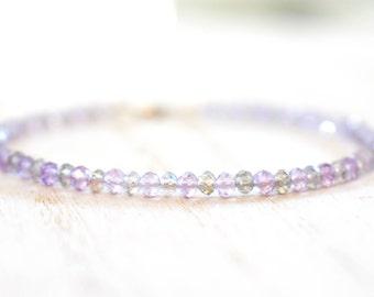 pink amethyst & labradorite gemstone bracelet. lavender and gray beaded bracelet. labradorite and amethyst gemstone bracelet. gem bracelet