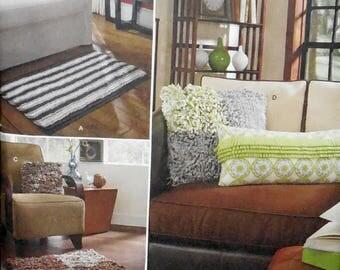 Simplicity 1931 - Fleece Fringe Rugs & Pillows - DIY Home Decor - Throw Pillows, Gift Idea - Interior Design - Living Room, Bedroom - UNCUT