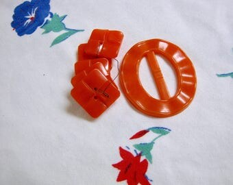 Vintage Buckle, Vintage Carved Buttons, Orange Buckle, Orange Chunky Buttons, Vintage Plastic Buckle, Vintage Plastic Buttons, Lucite, Old