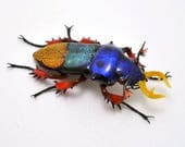 Patchwork Tiger Jewel Beetle - realistic dichroic lampwork glass insect beetle figurine glass artist Wesley Fleming