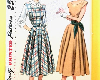 Uncut Simplicity 2313 1950s Dress Full Skirt, Boat Neckline, Fitted Bodice, Sleeveless, 1950s Blouse Vintage Sewing Pattern Bust 36