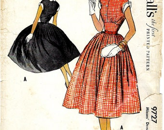 1950's Dress with Fitted Midriff , Full Pleated Skirt and Detachable Collar and Cuffs , McCall's No. 9727 , Audrey Hepburn - Bust 34