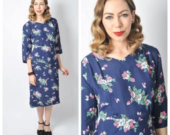 Vintage 1940's Floral Print Navy Rayon Crepe Peplum Dress/ 40's Flower Print Dress Size X-Large Volup