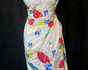 Lovely Vintage 1950's Silk Hawaiian Sarong Dress with Tropical  floral print pinup girl Rockabilly Tiki Size Large