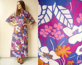 1970's Vintage Hippie Psychedelic Print Boho Maxi Dress Size S/M - AS IS