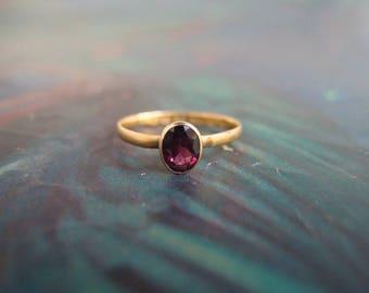 antique 22k Gold Rhodolite Garnet solitaire Ring Georgian Victorian UK hallmarks rub over setting size 7