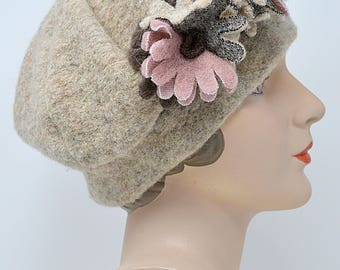 Vintage Heathered Beige Wool Beret Cloche Hat With Rose Brown and Beige Fabric Flowers Made In Italy