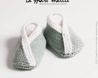 Green and white wool baby booties handknit de La Mare' mesh