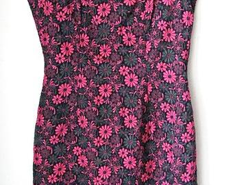Vintage 60s Pink Daisy Brocade Sleeveless Shift Dress Misses Small Homemade
