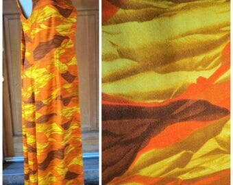 Vintage 70s Long Hawaiian Dress Sunset Print Muumuu Watteau Momie Weave Barkcloth Pool Side Maxi Dress 36B