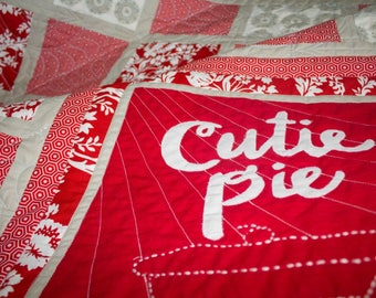 "Paper Pattern - ""cutie pie"" Baby Quilt Pattern with Hand-Lettered Applique"
