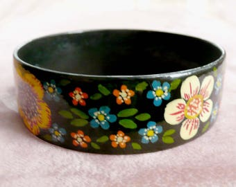 Flowered Bangle Bracelet Enamel Vintage Fun Colorful