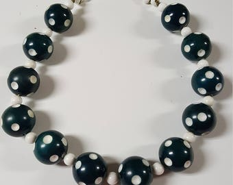 1980s Retro Style Chunky Teal and White Polka Dot Beaded Necklace
