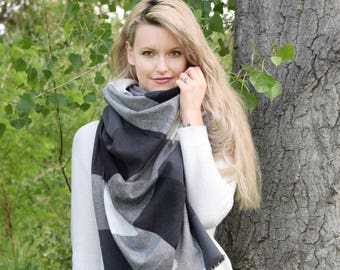 Blanket Scarf Infinity Scarf Plaid Black & White Checkered Preppy Scarf / Womens Summer Fashion Scarf Poncho Shawl Scarf, Gift For Her