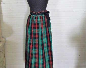 Christmas Plaid Taffeta Skirt, Red and Green Plaid Skirt, Long Christmas Skirt, Size Med. Skirt, Holiday Skirt, 1980s PLaid Christmas Skirt