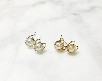 Meowstuds / White Pearl / 925 Silver / 14k Gold-filled