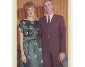 1962 Kodacolor Print Vintage Snapshot Photo: Young couple  (75582)