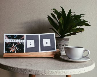 the woods perpetual desk calendar (includes everything you need to display)
