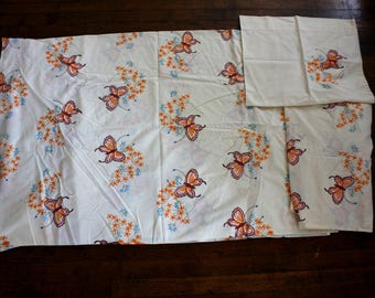 Vintage Retro Butterfly FLower Bed Sheet Set. Retro White Orange Marlene Designs Butterfly Bed Sheet Set Pillowcase. 70s Butterfly Bedroom