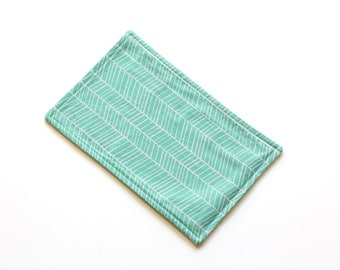 SALE || Reusable Cloth || 27cm x 18cm || Herringbone Green || Fleece Backing