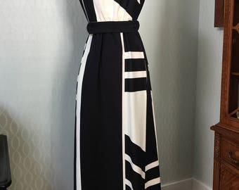 Fabulous Black & White Colorblock Maxi Dress by Malia of Honolulu 1970's!