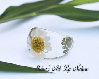 Pressed Flower Ring Real White Daisy Resin Ring Floral Botanical Nature Jewelry Size 7