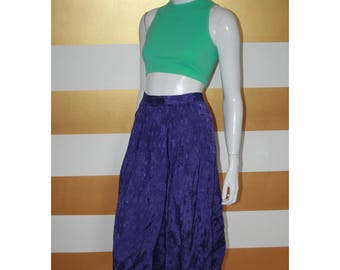 """80s Floral Print Skirt // Midi // Purple // Vintage // High Waisted // Full // Button up // W 30"""""""