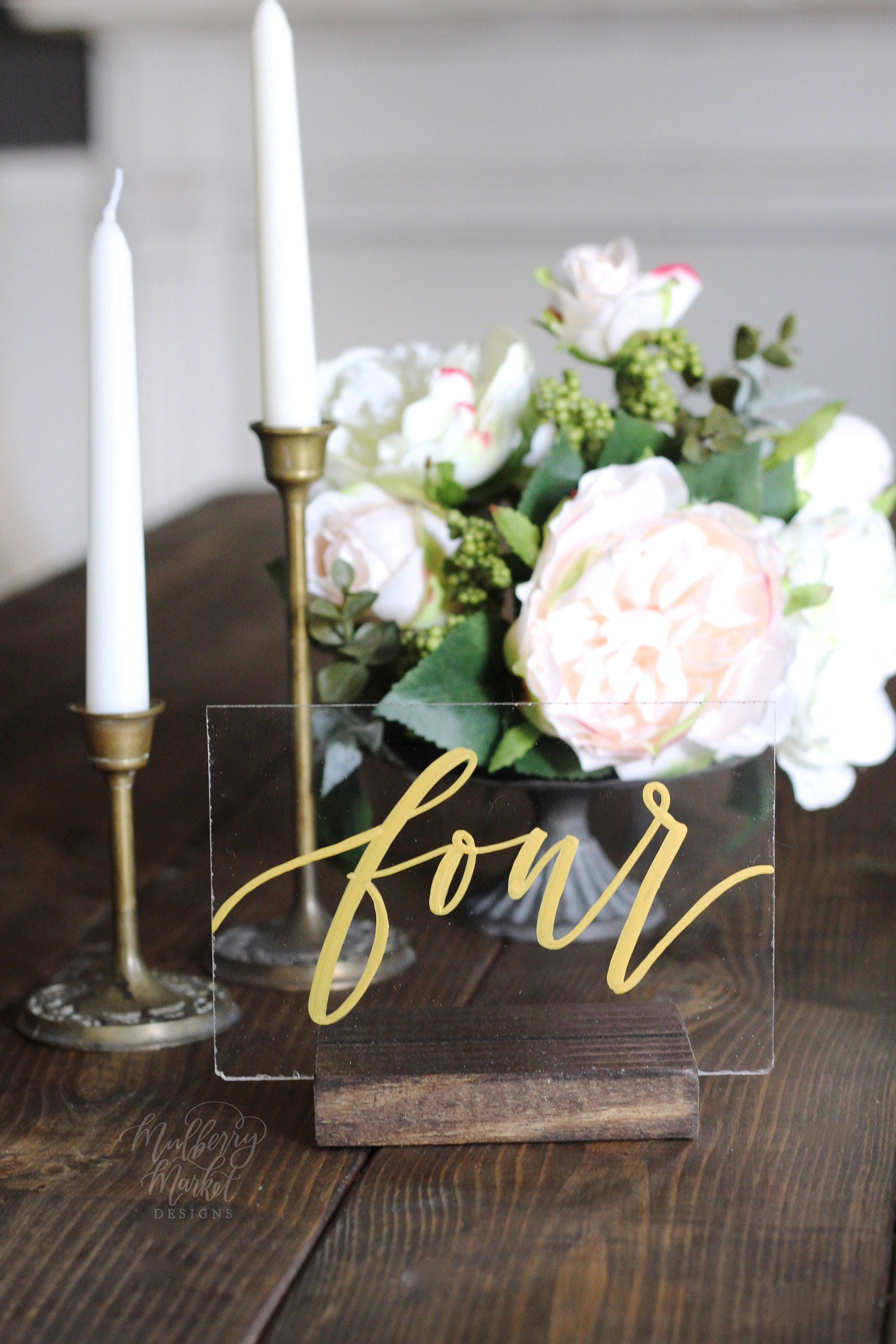 NEW Acrylic Wedding Table Numbers Gold Calligraphy Spanish