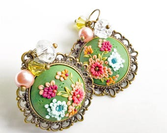 Green Earrings, Dangle // Handmade Earrings // polymer clay jewelry // Wildflowers // PiperPixieDesigns