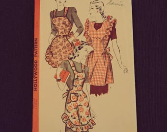 1688 Hollywood Pattern Apron Pattern Size Small..  Unused. Patterns for Sewing