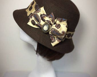 Downton abbey,Brown hat, 1920s hat, vintage hat, gift for her,  cameo brooch