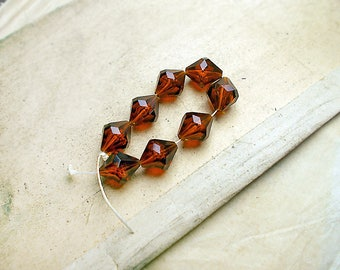 Vintage Plastic Beads - 8 Faceted Brown Plastic Bicones- 13mm - Lightweight - Root Beer - Translucent - Amber Glow - Bubbles