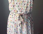 Vintage Sleeveless  White...