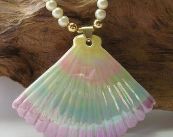 1950s Ceramic Pastel Color Shell Necklace - Vintage Necklaces - Pale Blue, Green, Pink and Cream