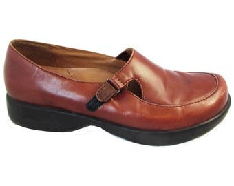 US 8 1/2  Brown Leather Mary Jane Shoes Women's Cinnamon Brown Dansko Mary Janes Size 39 US Women's Size 8.5 Comfy Padded Insoles