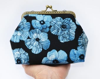 Blue flower metal frame purse Floral makeup bag Toiletry travel bag Makeup clutch Travel toiletry case Clasp purse Kisslock purse Women gift