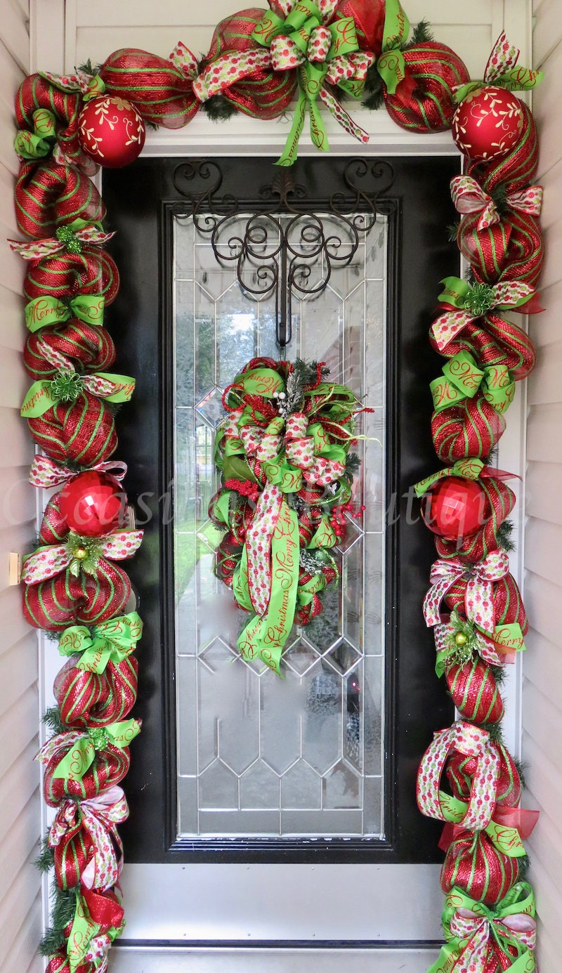 Christmas wreath with matching garland christmas decor for Door garland christmas