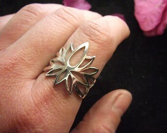 Lotus Ring Lotos Blossom Sterling Silver Artisam Sterling Silver Jewelry Buddhist Symbolism Yoga Ring Flower Ring Hinduistic Jewelry