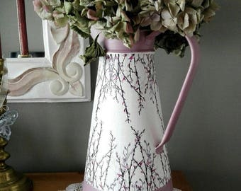 Pitcher of water repaints - romantic - nicely enameled Pot in a shabby chic style
