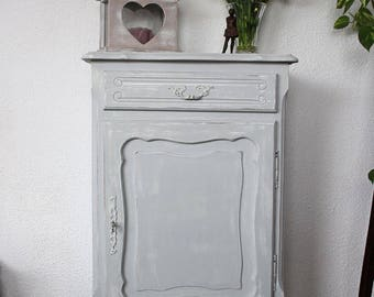 Great romantic jam, shabby, weathered, white and gray