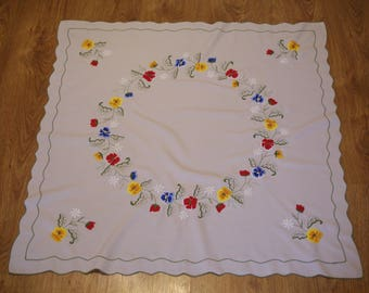 Polish creamy / gray embroidered traycloth floral multicolour Summer flowers Floral embroidery Serape flowery dresser scarf Polish linens