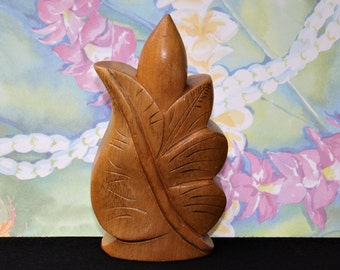 Vintage HULA LEI of Hawaii Carved  ANTHURIUM Perfume Holder
