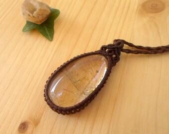 Rutile quartz macrame pendant, macrame jewelry, crystal pendant, quartz necklace, crystal healing, healing jewelry, hippie pendant