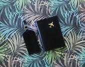 Leather Passport Holder and Luggage Tag Gift Set, Travel Gift for men and women, with gold foil airplane print, travel pack set