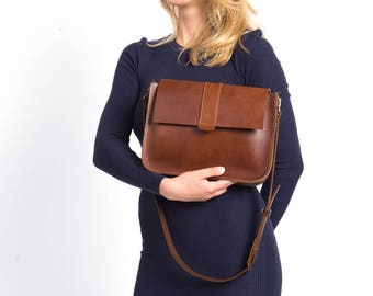 Ginger brown leather purse