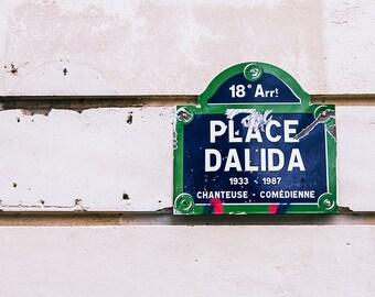 Photographie Fine Art de Paris - Place Dalida - Toile Photo de Paris - France