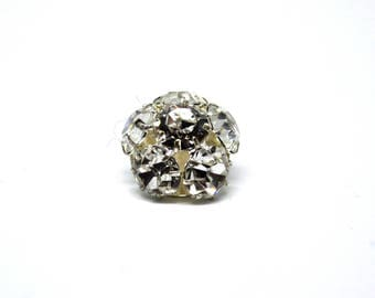 Button tail white metal with 6 shiny crystals of 1.8 cm in diameter and 1.3 cm in height