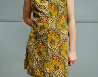 Vintage 1960s Dolly Rocker Dress Gold Paisley Minidress Size 8/10